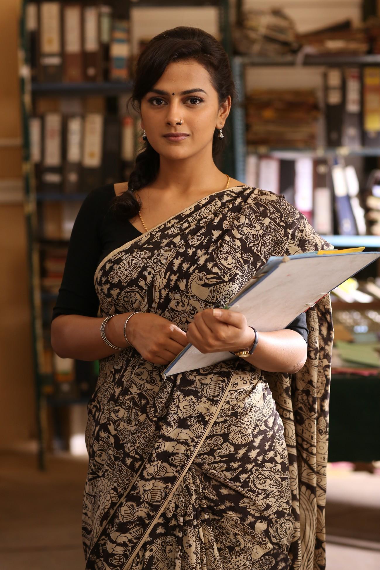 vikram vedha   movie stills tamil movie music reviews and