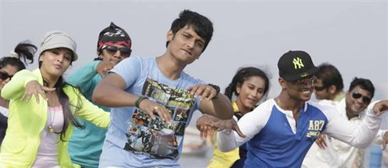 Jiiva's Yaan getting censored today - Tamil Movie Poster