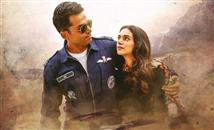 Kaatru Veliyidai Review - A serious drama that wor...