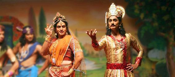 Kaaviya Thalaivan Review - Roller coaster ride of egos and emotions  - Tamil Movie Poster