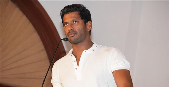 Paayum Puli will release as per schedule on Sep 4 - Vishal  - Tamil Movie Poster