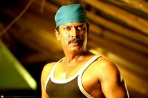 Samuthirakani turns Union Leader in Udhayam NH4 di...