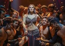 Sunny Leone's looks in Bhoomi item song