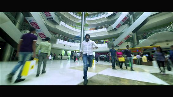 Tamilselvanum Thaniyar Anjalum Trailer