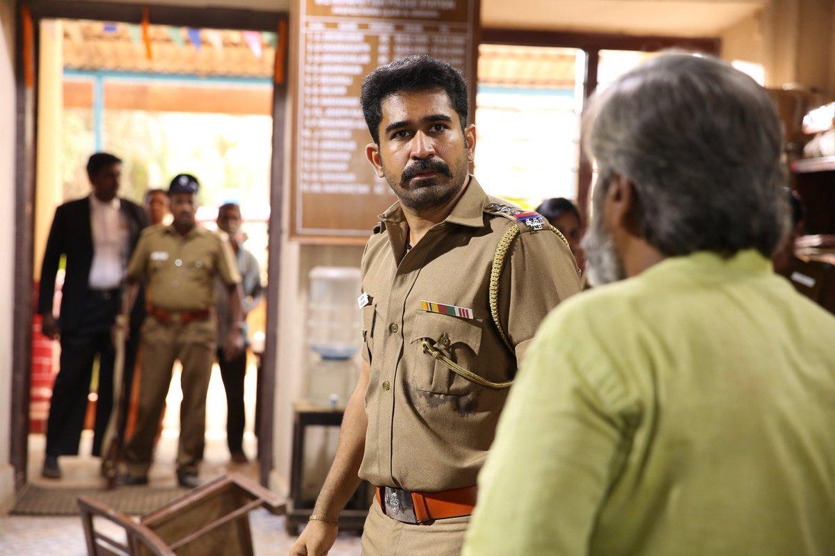 Thimiru Pudichavan Picture Gallery