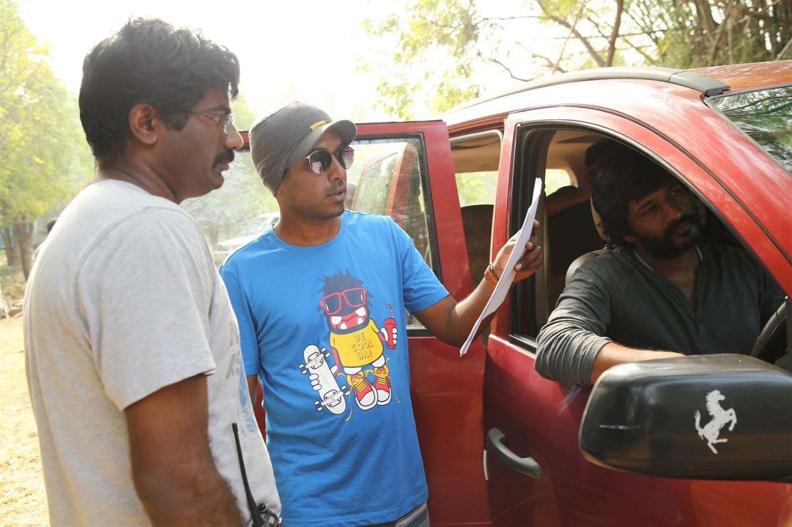 Echarikkai Ithu Manithargal Nadamadum Idam Picture Gallery