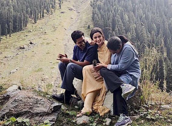 Alia Bhatt and Vicky Kaushal wraps Kashmir schedule of 'Raazi'