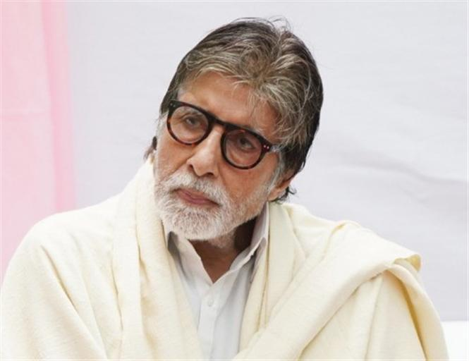 Amitabh Bachchan pays off 21,000 Farmer Loans! Provides monetary relief for CRPF Soldiers' Families!