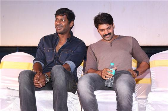 Arya agress to play villain again for Vishal!