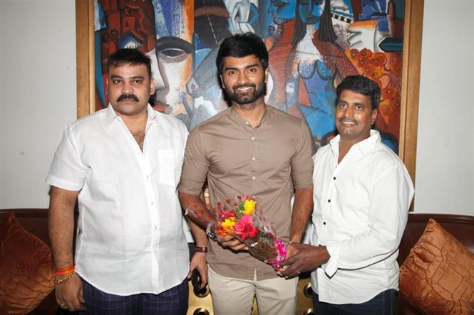 Atharvaa reunites with his Boomerang director