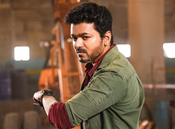 Box Office: Sarkar remains steady on Day 2, Vijay'...