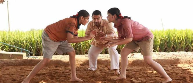 Dangal crosses Rs 300 crore in 13 days, becomes highest grosser of 2016