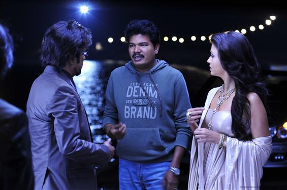 Director Shankar gets non-bailable warrant in Endhiran plagiarism case!