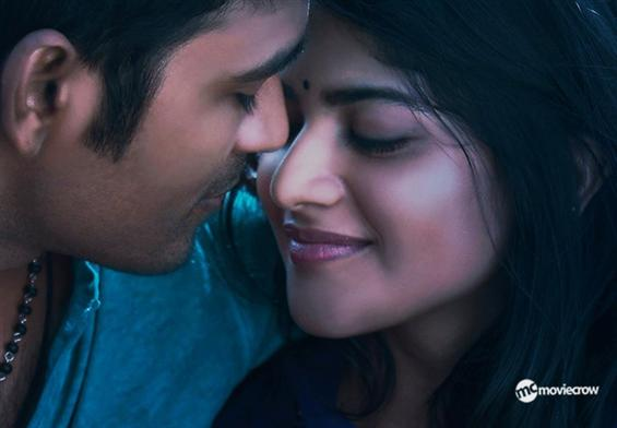Enai Nokki Paayum Thotta Review - A late entry not...