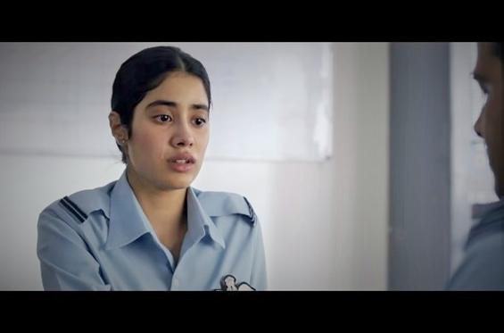 Gunjan Saxena Trailer: Jhanvi Kapoor is a vulnerab...
