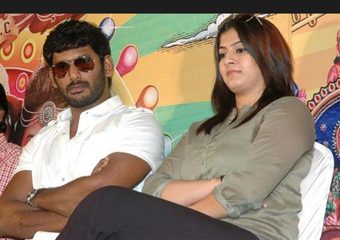 'Have some class and Grow Up', says an upset Varalaxmi Sarathkumar to Vishal!
