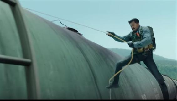 Kaappaan 2nd Trailer