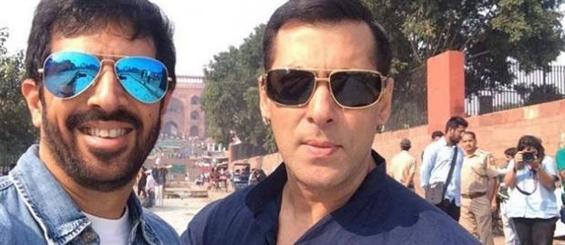 Kabir Khan gets painting as gift from Salman