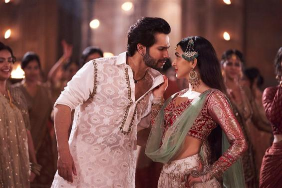 Kalank: First Class Video Song out now!