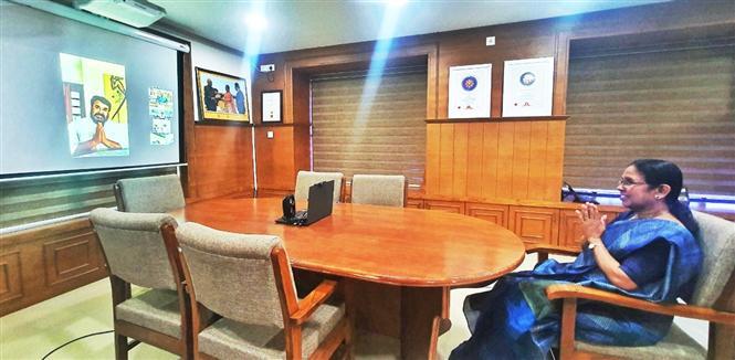 Mohanlal surprises Kerala Health Workers Via Video Call!