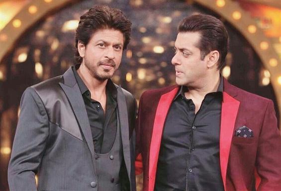 Salman Khan visits Shah Rukh after NCB arrests Ary...