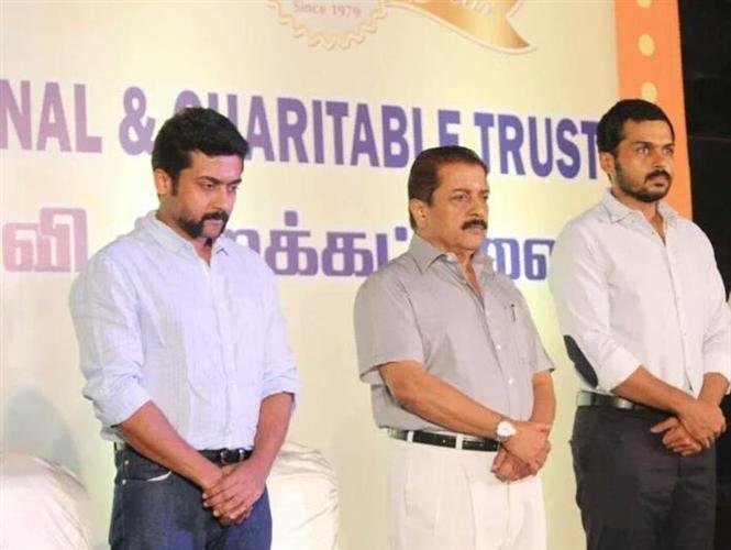 Suriya, Sivakumar & Karthi donate Rs. 10 Lakh to FEFSI Workers!