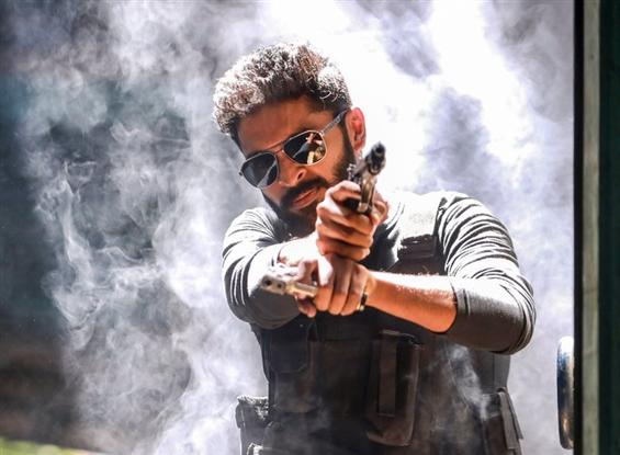 Thuppakki Munai Review - A surprisingly neat and l...