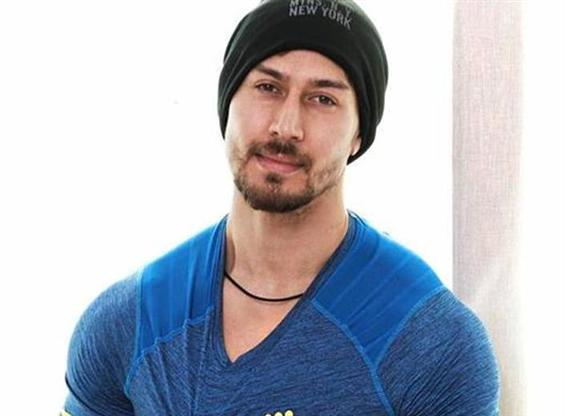 Tiger Shroff to go bald for Baaghi 2