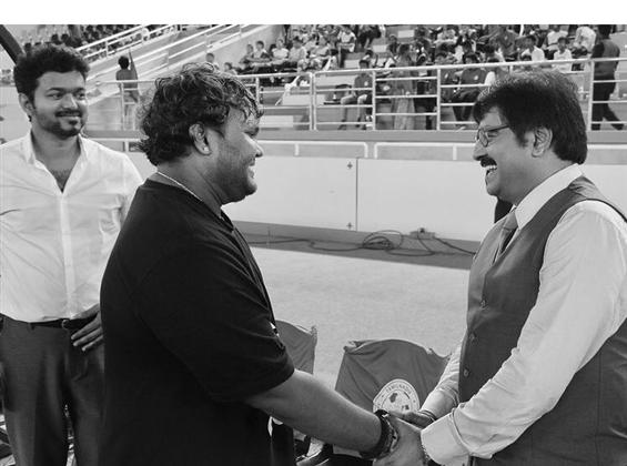 Unseen Bigil still with Vivek goes viral!
