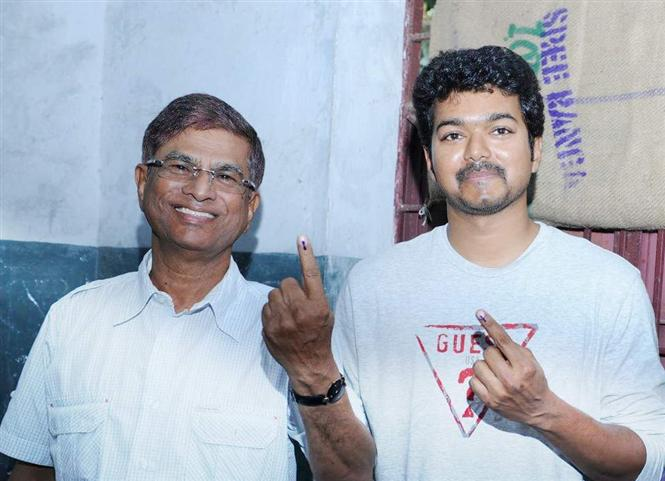 Vijay's fan club to not turn into a political party! SAC withdraws request!