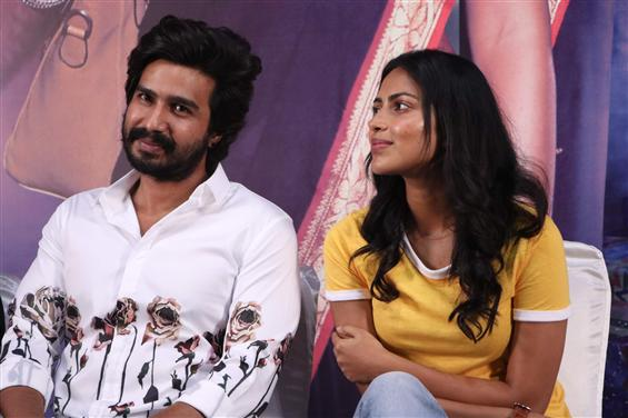 Vishnu Vishal backs Amala Paul's open statement against VSP33 producers!