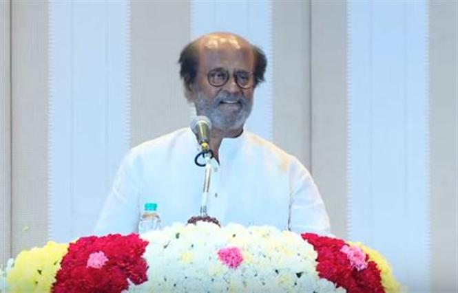 """""""Will not be the CM Candidate of RMM"""" - Rajinikanth at Press Meet"""